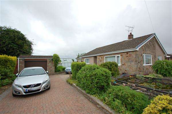 3 Bedrooms Detached Bungalow for sale in CLAYS ROAD