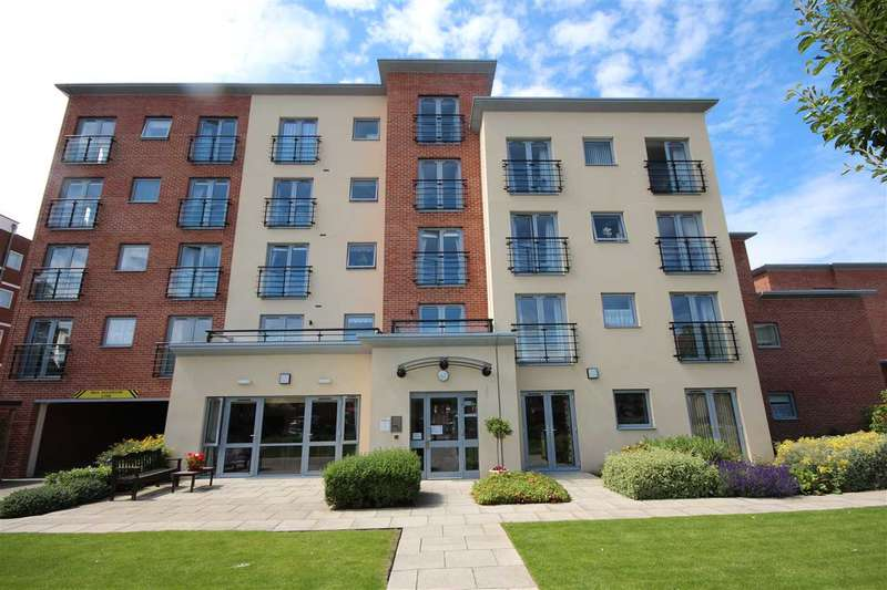 1 Bedroom Apartment Flat for sale in Kingsman Court, Carnarvon Road, Clacton-On-Sea