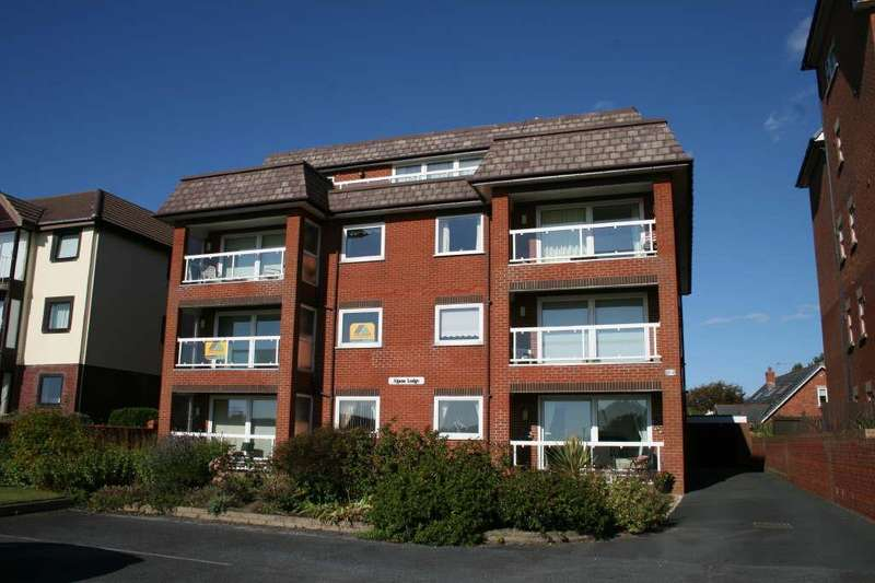 2 Bedrooms Property for sale in Alpine Lodge, 85 South Promenade, St Annes