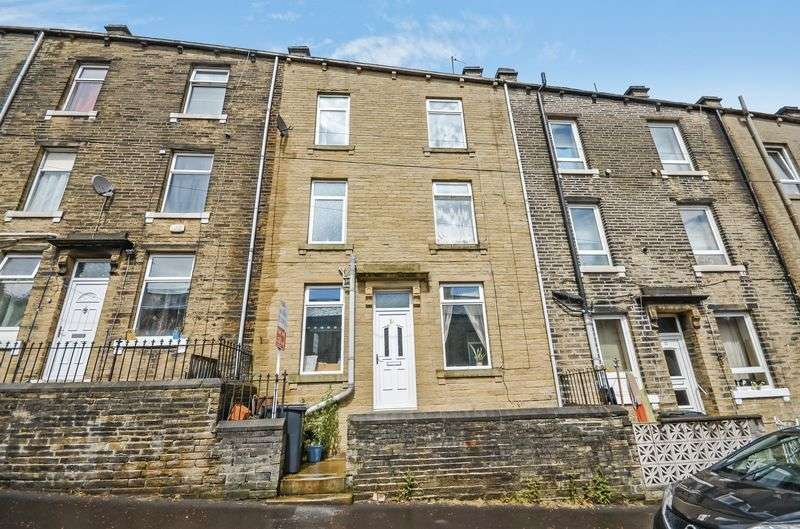 3 Bedrooms Terraced House for sale in Upper Fountain Street, Sowerby Bridge, HX6 2QY