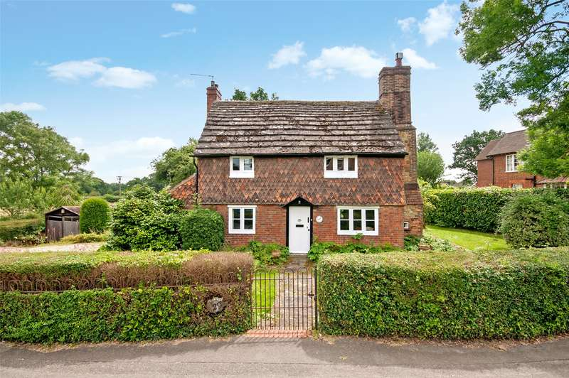2 Bedrooms Detached House for sale in The Street, Capel, RH5