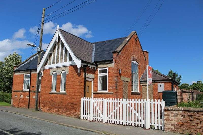 2 Bedrooms Detached Bungalow for sale in Normanby Road, Owmby-By-Spital