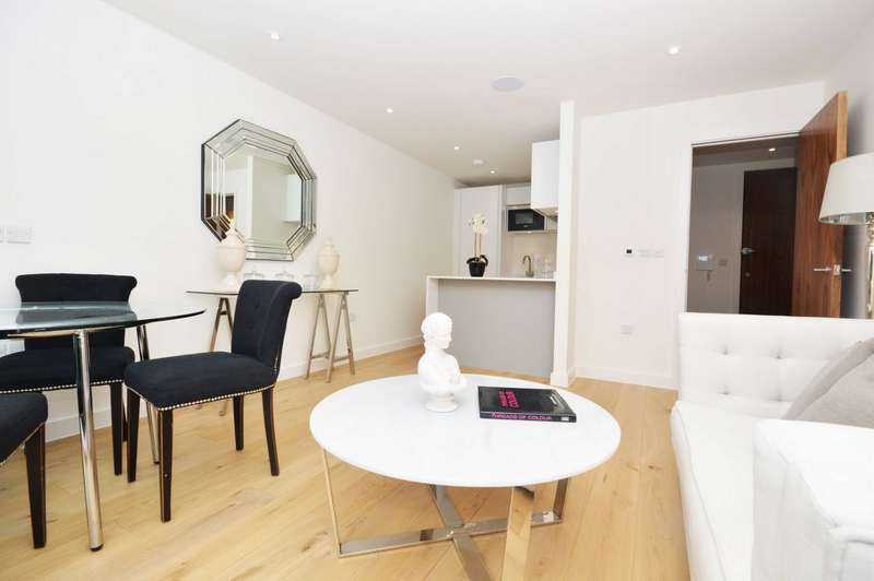 1 Bedroom Flat for sale in Station Point, 121 Sandycombe Road, Richmond, Surrey