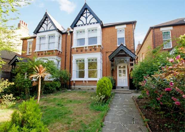 5 Bedrooms Semi Detached House for rent in Argyle Road, Ealing