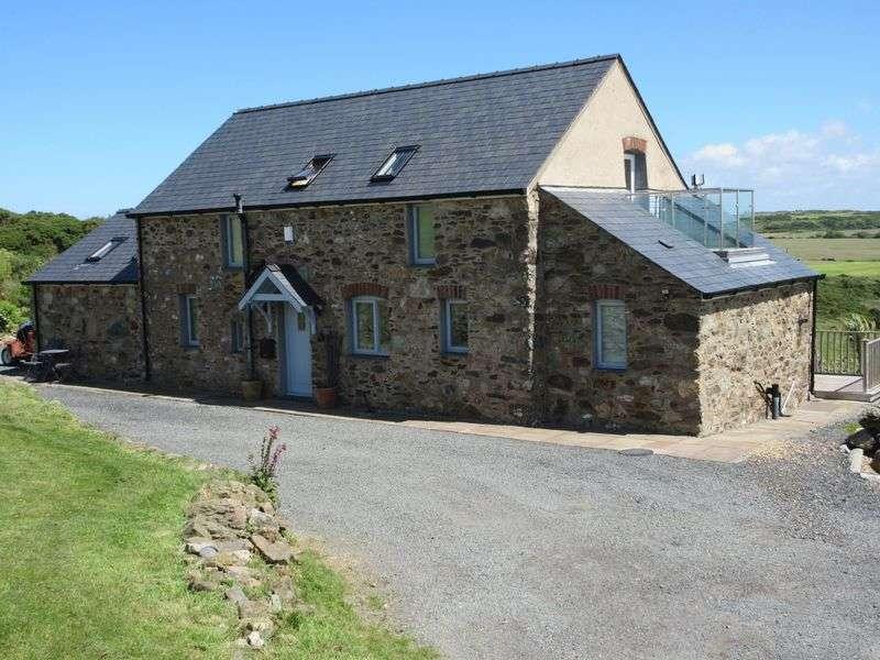 3 Bedrooms Property for sale in Rhydwyn, Holyhead