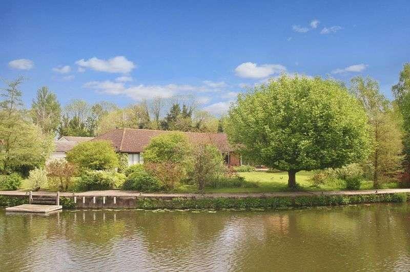 5 Bedrooms Detached House for sale in WATERS EDGE PRESTON CROWMARSH