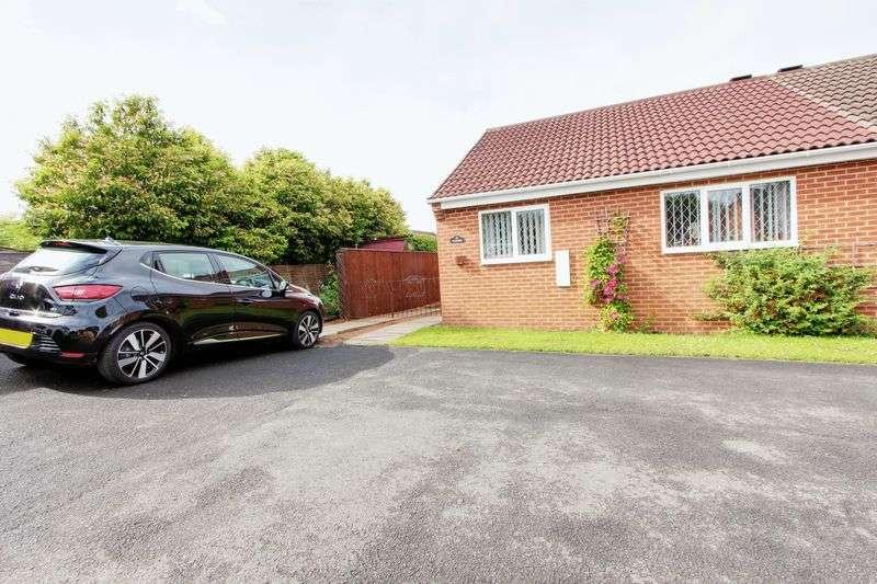 2 Bedrooms Semi Detached Bungalow for sale in Beechers Grove, Newton Aycliffe