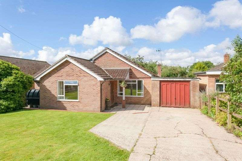 5 Bedrooms Detached Bungalow for sale in Radnage