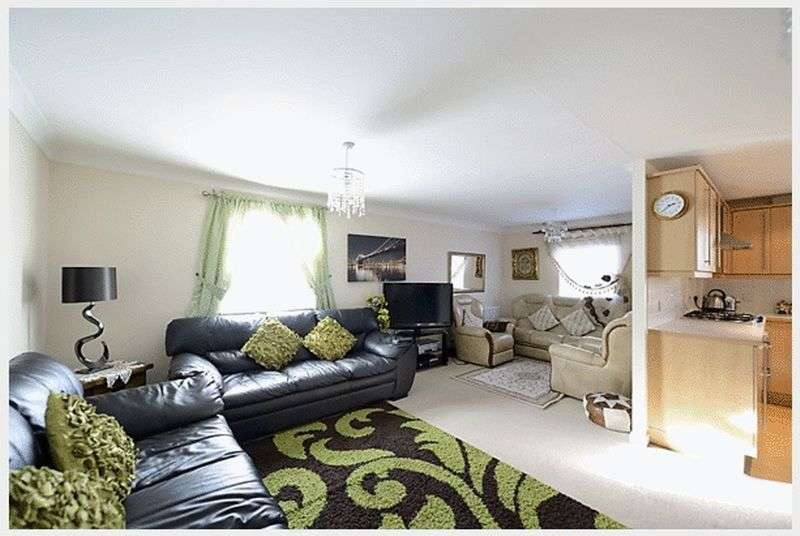 3 Bedrooms Flat for sale in Redhouse Way, Redhouse