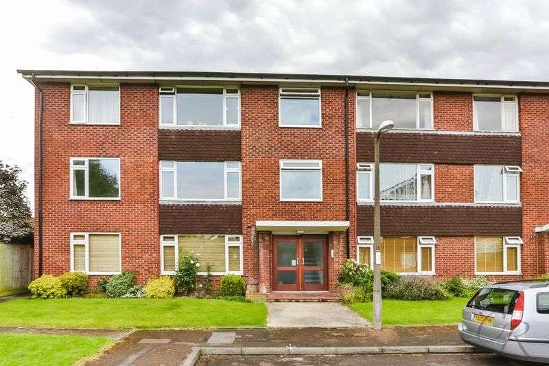 2 Bedrooms Flat for sale in Cheltenham