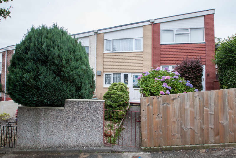 2 Bedrooms Terraced House for sale in Southway, Plymouth