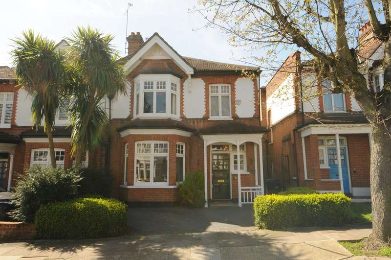 4 Bedrooms Semi Detached House for sale in Arlow Road, Winchmore Hill