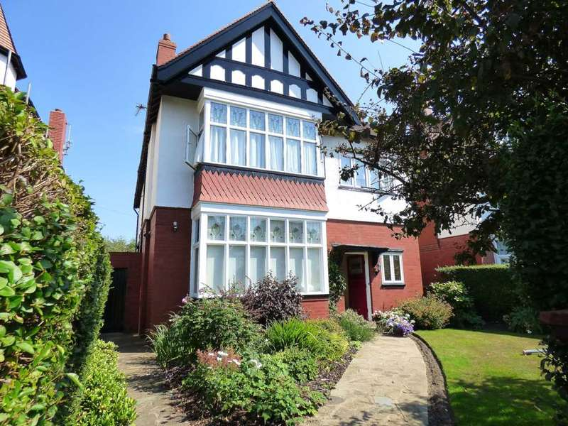 4 Bedrooms Detached House for sale in Balmoral Road, St Annes