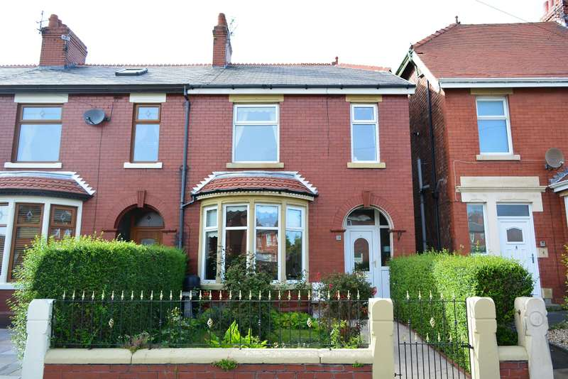 3 Bedrooms Detached House for sale in Belgrave Road, South Shore, Blackpool, FY4 4DZ