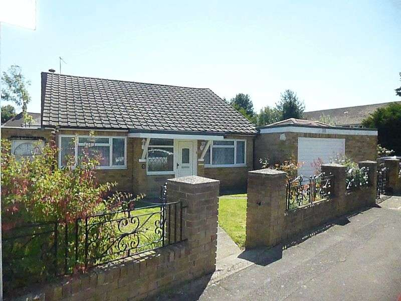 3 Bedrooms Detached Bungalow for sale in Manor Lane, Harlington, Hayes
