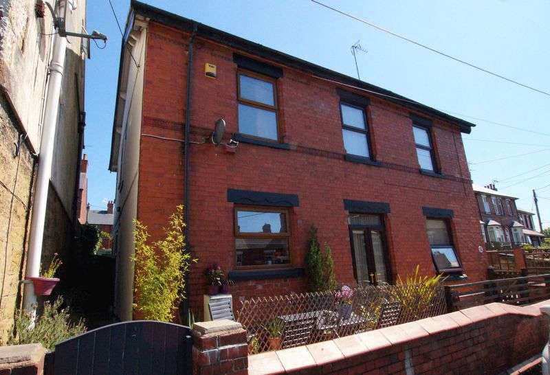 2 Bedrooms Semi Detached House for sale in Southsea Road, Southsea, Wrexham
