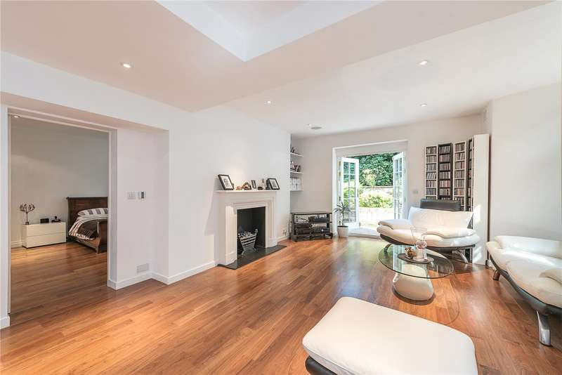 2 Bedrooms Flat for sale in East Heath Road, Hampstead, London, NW3