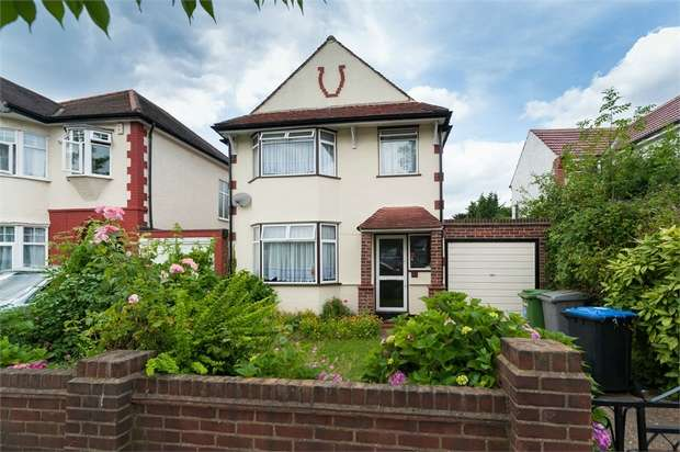 3 Bedrooms Detached House for sale in Beechcroft Gardens, Wembley, Greater London
