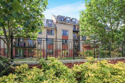 2 Bedrooms Flat for sale in Riverside, Cambridge, Cambridgeshire