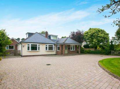 5 Bedrooms Detached House for sale in Trouthall Lane, Plumley, Knutsford, Cheshire