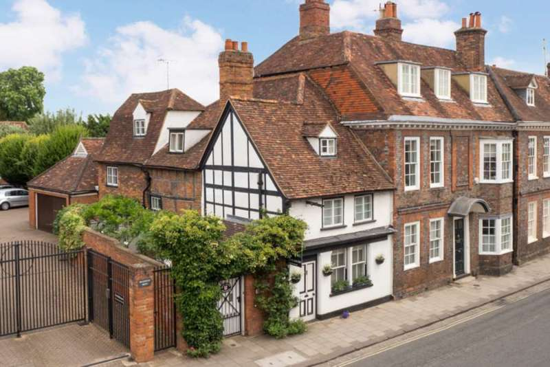 3 Bedrooms Semi Detached House for sale in New Street, Henley On Thames