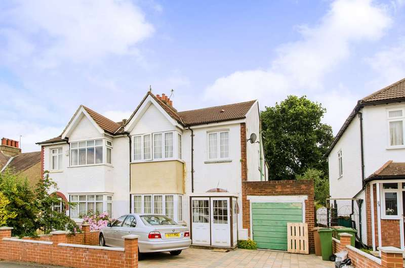 4 Bedrooms Semi Detached House for sale in Lynwood Drive, Worcester Park, KT4
