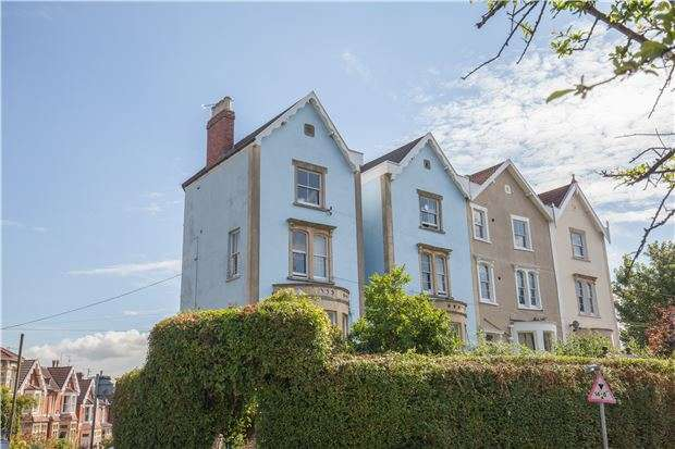 3 Bedrooms Flat for sale in Redland Road, BRISTOL, BS6 6AQ