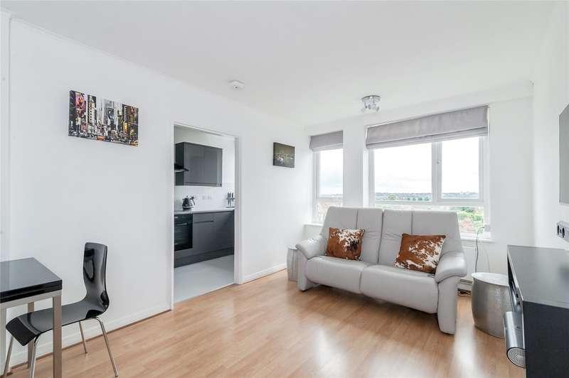 1 Bedroom Flat for sale in Clifford Court, Heathfield Road, London, SW18