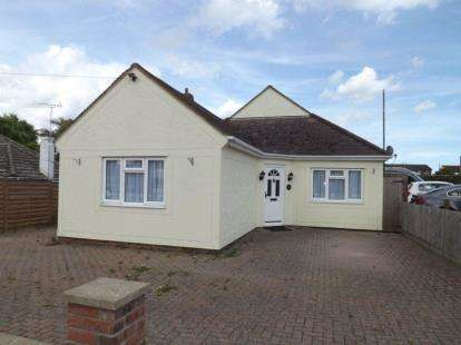 4 Bedrooms Bungalow for sale in Holland-On-Sea, Clacton-On-Sea, Essex