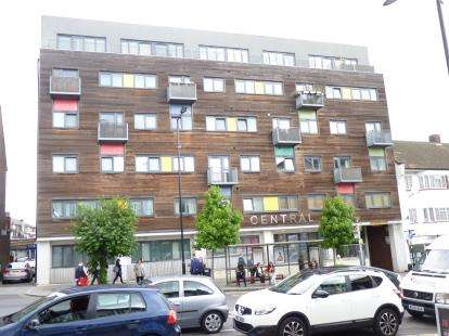 2 Bedrooms Flat for sale in Central West, 320 Ruislip Road East, Greenford