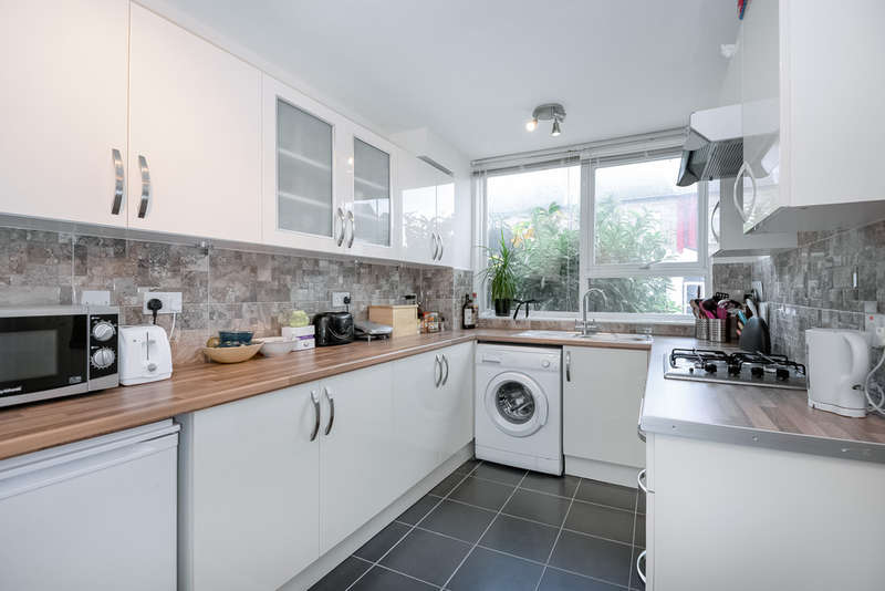 3 Bedrooms Terraced House for sale in Vale Road, Harringay
