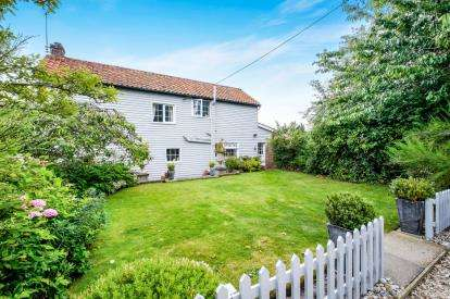 4 Bedrooms Detached House for sale in Wenhaston, Halesworth, .