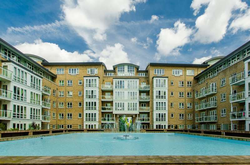 2 Bedrooms Flat for sale in St Davids Square, Isle Of Dogs, E14
