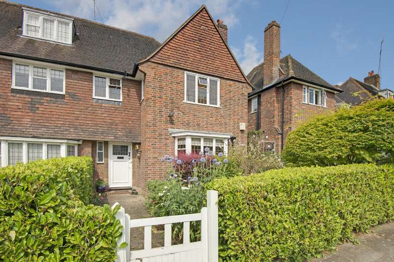 4 Bedrooms House for sale in Gurney Drive, Hampstead Garden Suburb