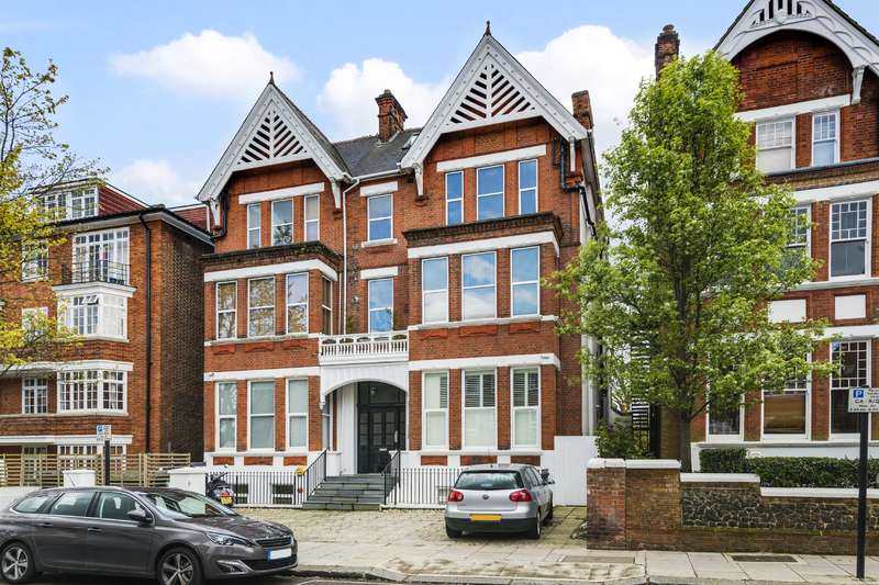 3 Bedrooms Flat for sale in Cleve Road, South Hampstead
