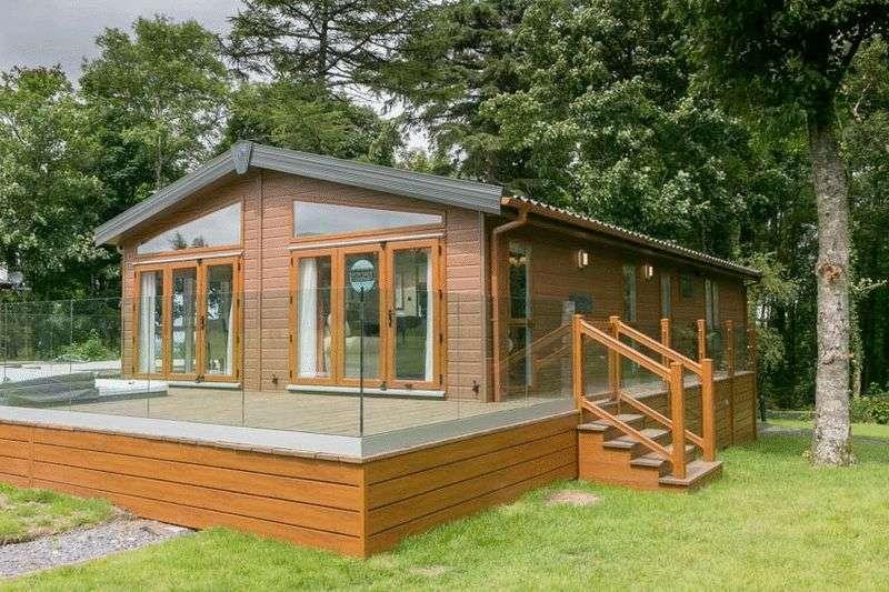 2 Bedrooms Property for sale in Pemberton Glendale, Llanrug, Caernarfon