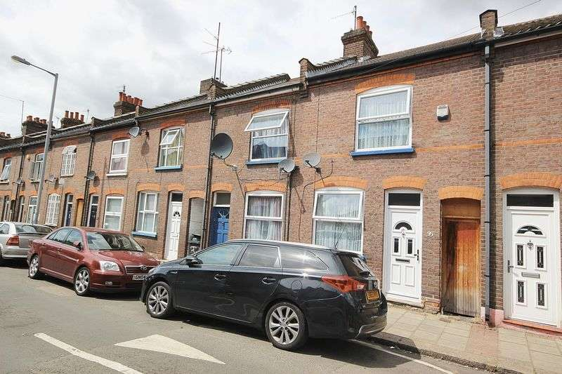3 Bedrooms Terraced House for sale in Round Green