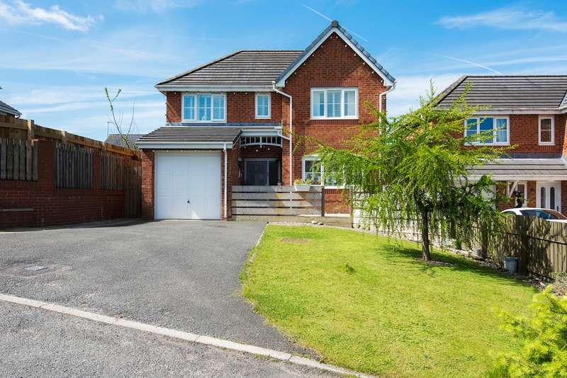 4 Bedrooms Detached House for sale in Beaumont Close, Bacup, Lancashire, OL13