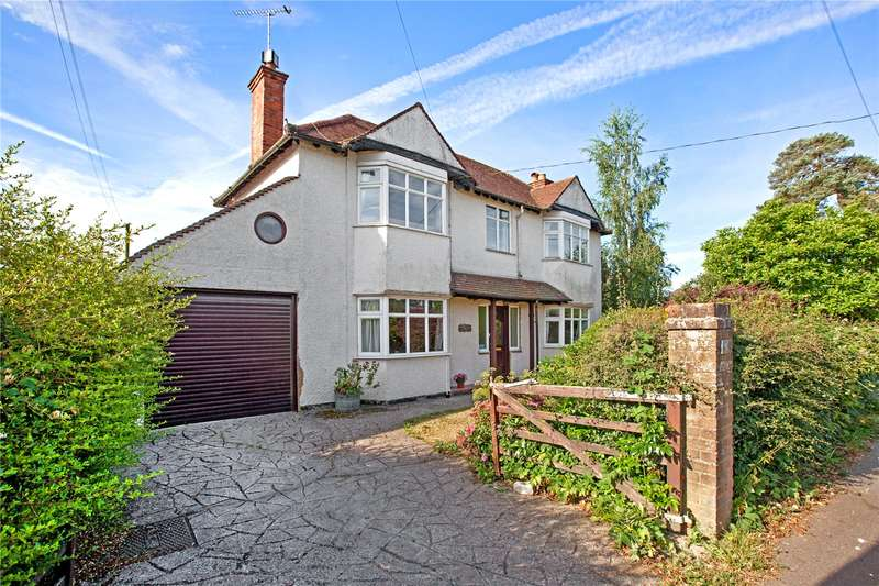 4 Bedrooms Detached House for sale in Beech Tree Road, Holmer Green, High Wycombe, Buckinghamshire, HP15