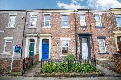 2 Bedrooms Terraced House for sale in Crossley Terrace, Arthurs Hill, Newcastle Upon Tyne, Tyne and Wear, NE4