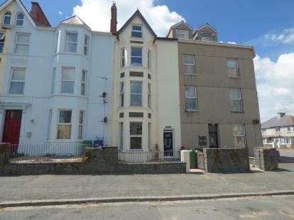2 Bedrooms Terraced House for sale in Potts Street, Pwllheli, Gwynedd, LL53