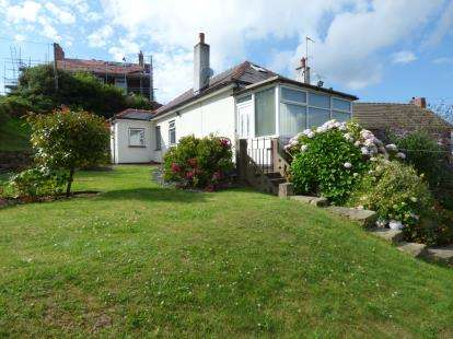 3 Bedrooms Bungalow for sale in New Road, Brynteg, Wrexham, Wrecsam, LL11