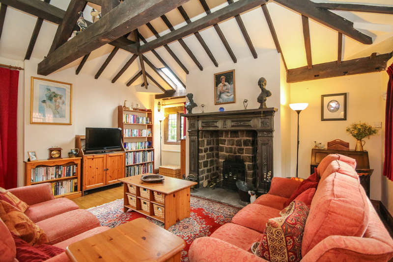 3 Bedrooms Semi Detached House for sale in Norley Road, Sandiway