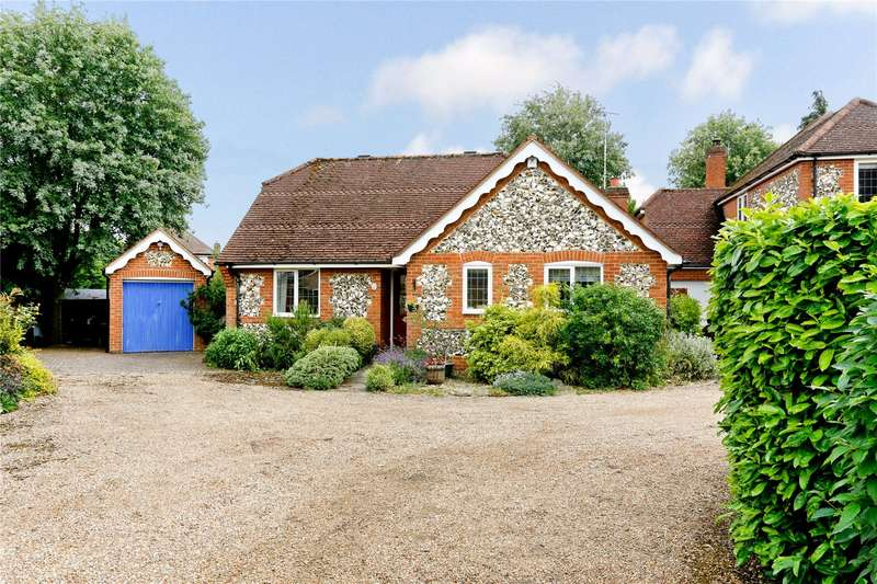 3 Bedrooms Detached Bungalow for sale in Victoria Gardens, Marlow, Buckinghamshire, SL7