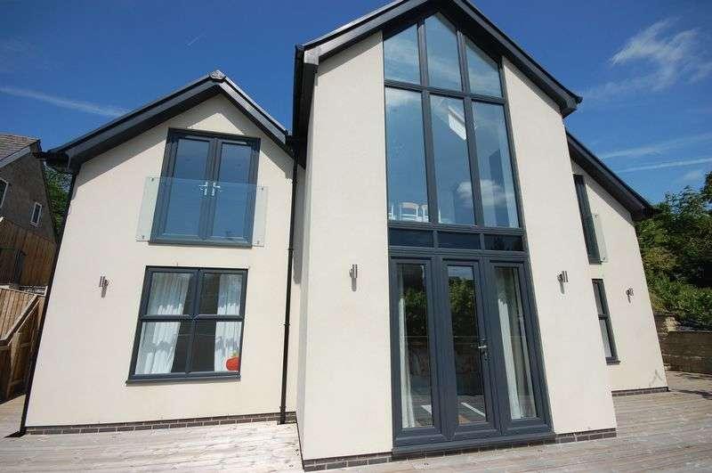 5 Bedrooms Detached House for sale in Woodlands Road, Stalybridge