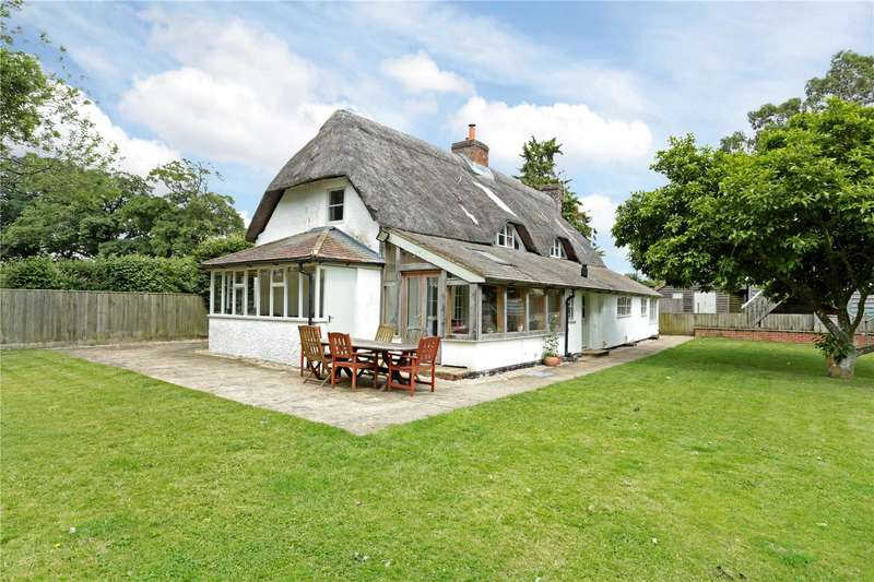 4 Bedrooms Detached House for sale in Milton Lilbourne, Pewsey, Wiltshire, SN9