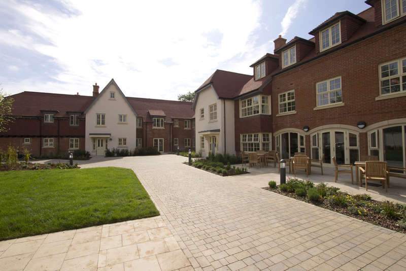 1 Bedroom Flat for sale in Wykeham Court, Winchester Road
