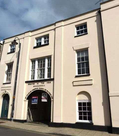 1 Bedroom Flat for sale in Flat 3, Derutzen, Market Street, Narberth, Pembrokeshire