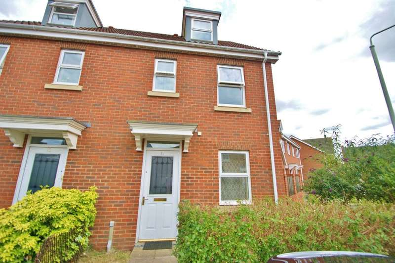 3 Bedrooms Semi Detached House for sale in Caddow Road, Norwich