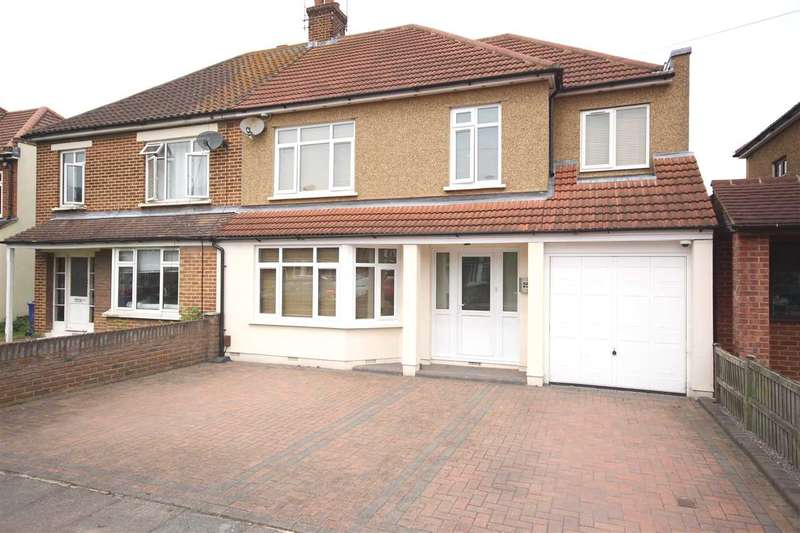 4 Bedrooms Semi Detached House for sale in Leasway, Grays